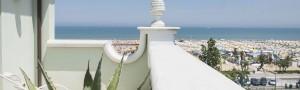 Accomodati in hotel a Rimini Marina Centro, De Londres si affaccia sul mare